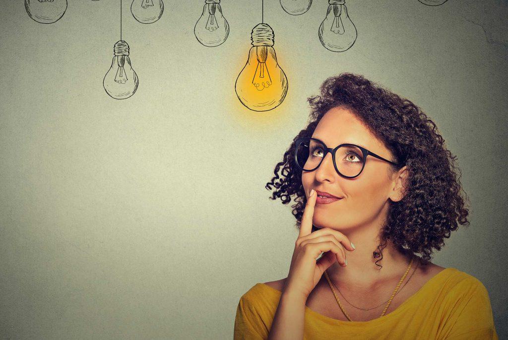 Free Discovery Webinar | 17 February 2020 | Image of woman with idea lightbulbs